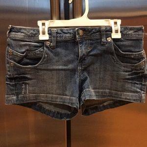 """Like new women's jean shorts size 11 31"""" waist"""